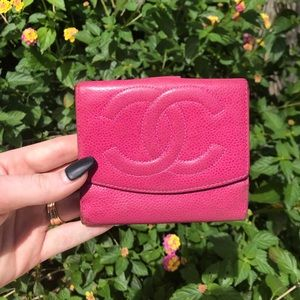 Vintage Chanel Pink Caviar Leather Compact Wallet